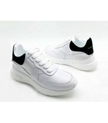 Женские кроссовки Alexander McQueen (Александр Маккуин) кожаные с черным задником White
