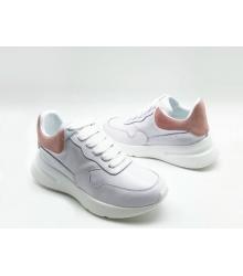 Женские кроссовки Alexander McQueen (Александр Маккуин) кожаные с розовой вставкой  White