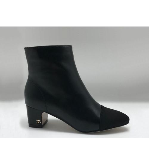 Женские полусапоги Chanel (Шанель) Cruise кожаные на молнии небольшой каблук Black