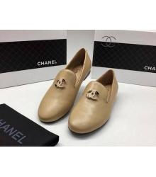Женские лоферы Chanel (Шанель) Cruise кожаные с лого Beige