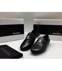 Женские лоферы Chanel (Шанель) Cruise кожаные с лого Black