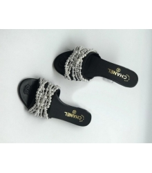 Женские шлепанцы Chanel (Шанель) Cruise кожаные с жемчугом Black