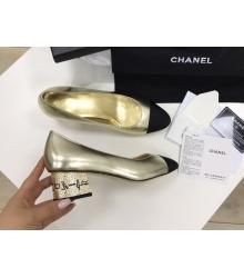 Женские туфли Chanel (Шанель) Cruise летние кожаные средний каблук с лого Gold/Black