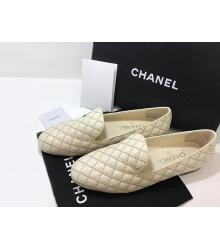 Лоферы женские Chanel (Шанель) Cruise летние стеганые кожаные на низком каблуке Beige