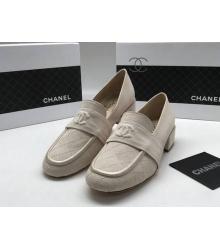 Лоферы женские Chanel (Шанель) Cruise летние замшевые на низком каблуке Beige