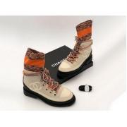 Женские ботинки Chanel (Шанель) комбинированные на шнурках с лого Beige/Orange