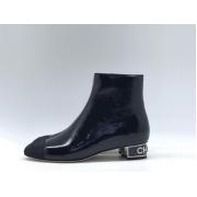Ботильоны женские Chanel (Шанель) кожа лаковая с молнией на каблуке лого Black