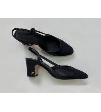 Босоножки женские Chanel (Шанель) кожаные каблук с лого средней длины Black