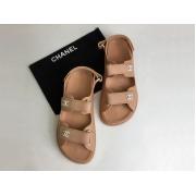 Женские летние сандалии Chanel (Шанель) кожаные на липучке Beige