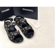 Летние женские сандалии Chanel (Шанель) кожаные на липучке Black/Gold