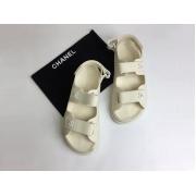 Летние женские сандалии Chanel (Шанель) кожаные на липучке White