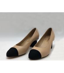 Женские туфли Chanel (Шанель) кожаные на низком каблуке Beige
