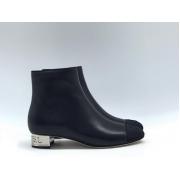 Ботильоны женские Chanel (Шанель) кожаные с молнией на каблуке лого Black