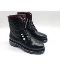 Женские ботинки высокие Chanel (Шанель) кожаные с жемчугом Black