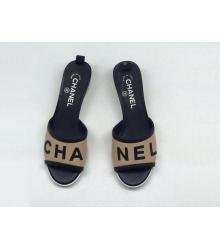 Женские шлепанцы Chanel (Шанель) летние комбинированные на каблуке Beige/Black