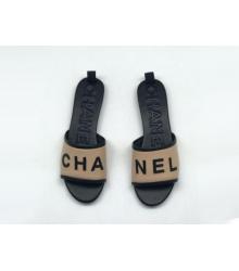 Женские шлепанцы Chanel (Шанель) летние комбинированные на каблуке Beige