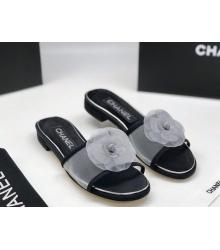 Женские шлепанцы Chanel (Шанель) летние Комбинированные на среднем каблуке с цветком Black/White