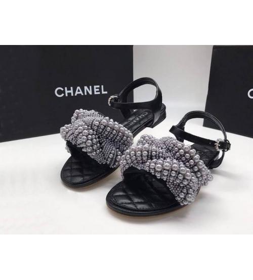 Женские сандалии Chanel (Шанель) летние кожаные с жемчугом Black/White