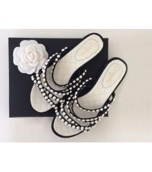 Женские шлепки Chanel (Шанель) летние кожаные с жемчугом White/Black