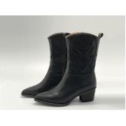 Женские сапоги - казаки Christian Dior (Кристиан Диор) кожаные со звездой Black