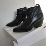 Женские ботильоны Christian Dior (Кристиан Диор) LA кожаные со звездой Black