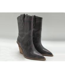 Женские казаки Fendi (Фенди) кожаные каблук скошенный Gray