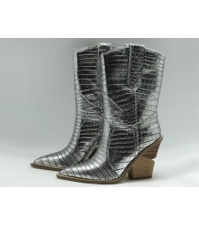 Женские сапоги казаки Fendi (Фенди) кожаные каблук скошенный Silver