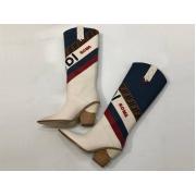 Женские полусапоги казаки Fendi (Фенди) кожаные каблук скошенный White/Blue