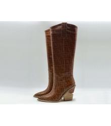 Сапоги-казаки женские Fendi (Фенди) кожаные каблук средней длины Brown
