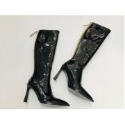 Женские сапоги Fendi (Фенди) кожаные на каблуке средней длины и молния Black