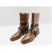 Полусапожки женские Fendi (Фенди) кожаные на низком каблуке на молнии съёмными ремнями Brown
