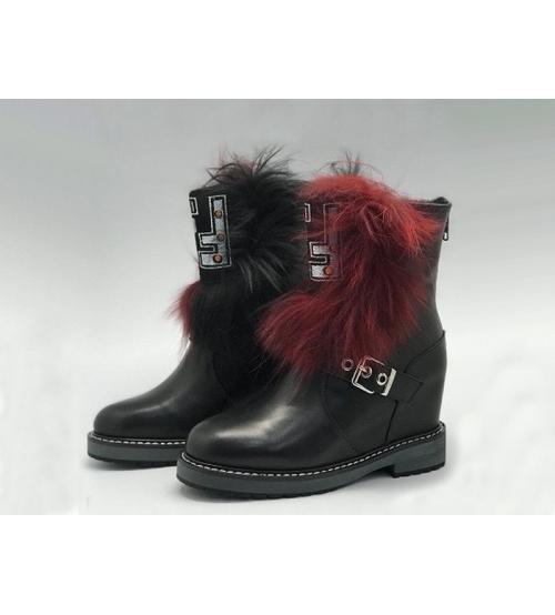 Женские ботинки Fendi (Фенди) кожаные с ремешком Black