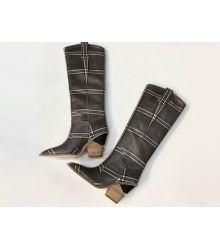 Казаки женские Fendi (Фенди) кожаные высоки каблук скошенный Gray