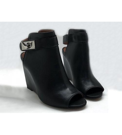 Ботильоны женские Givenchy (Живанши) кожаные Black