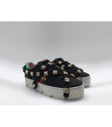 Женские кроссовки Gucci (Гуччи) Ace летние кожаные с кристаллами пчелой съемными ремнями на танкетке Black