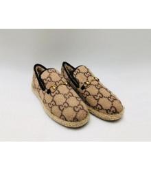 Женские лоферы Gucci (Гуччи) Fria текстиль с мехом принт лого Beige
