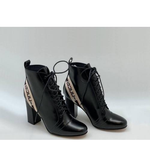 Женские ботильоны Gucci (Гуччи) кожаные каблук средней высоты с логотипом Black