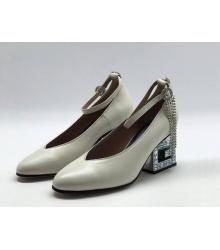 Женские туфли Gucci (Гуччи) кожаные средней высоты каблук со стразами White