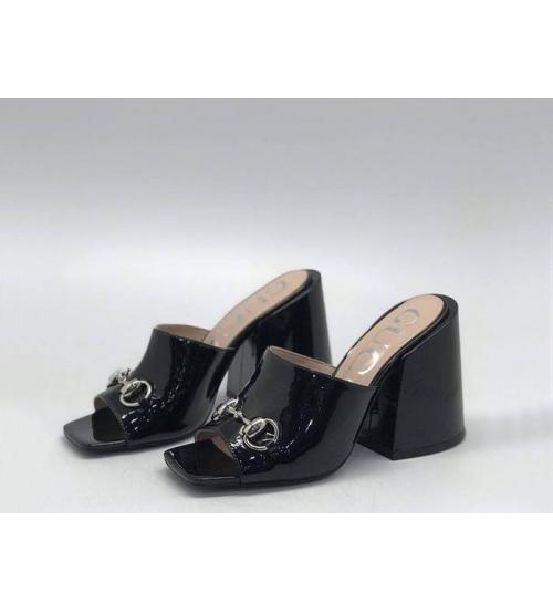 Сабо женские Gucci (Гуччи) лаковая кожа на массивном каблуке Black