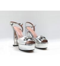 Босоножки женские Gucci (Гуччи) Leila летние кожаные на высоком каблуке Silver