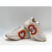 Женские кроссовки Gucci (Гуччи) Rhyton кожаные с принтом сердце на шнурках White