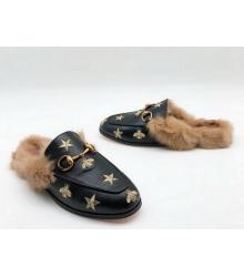 Лоферы женские Gucci (Гуччи) зимние с мехом со звездами и пчелой Black