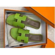 Женские сандалии шлепанцы Hermes (Гермес) летние кожаные Green