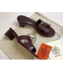 Женские сандалии Hermes (Гермес) Oasis кожаные на среднем каблуке Bordo