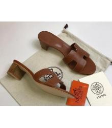 Женские сандалии Hermes (Гермес) Oasis кожаные на среднем каблуке Dark Brown