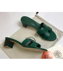 Женские сандалии Hermes (Гермес) Oasis кожаные на среднем каблуке Green