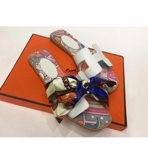 Женские сандалии-шлепки Hermes ( Гермес) Oran кожаные с платком White