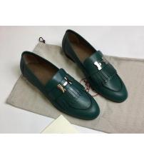 Женские лоферы Hermes (Гермес) Royal loafer с бахромой кожаные с пряжкой H Green