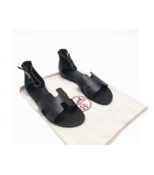 Женские сандалии Hermes (Гермес) Santorini кожа гладкая на плоской подошве Bllack