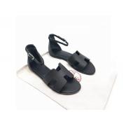 Женские сандалии Hermes (Гермес) Santorini кожаные на плоской подошве Black